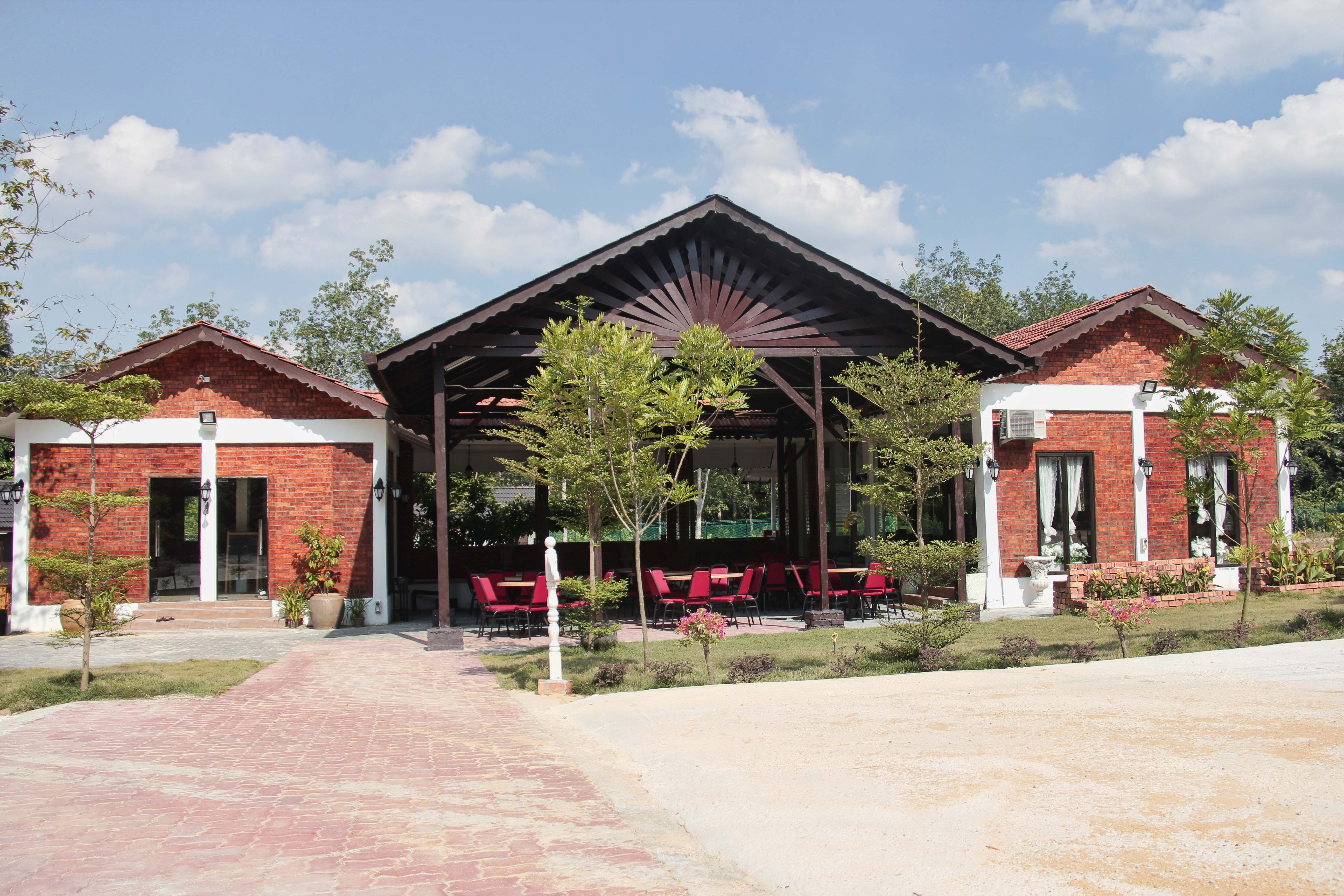 pelamin-garden